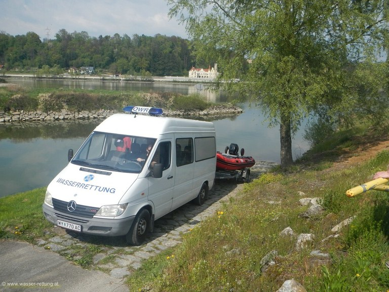 compr_Mercedes-Benz_Sprinter.jpg